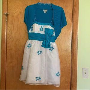 Adorable mini strapless dress